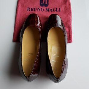 Bruno Magli Brown Croc Print Leather. Size 37